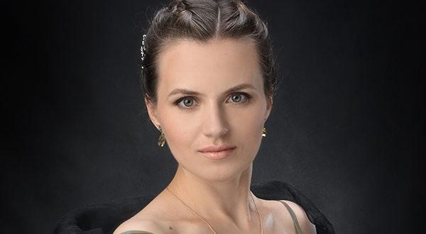 Anna Buklina, accademia strata