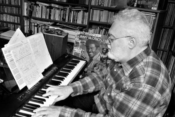 Luciano Federighi nello studio